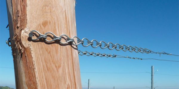 Chain links for adjustable wire tension